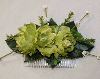 Green  faux flower comb