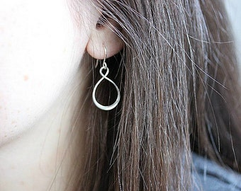 Silver Infinity hoop earrings - Infinity earrings in Sterling Silver - Dangle earrings - Minimalist Jewelry