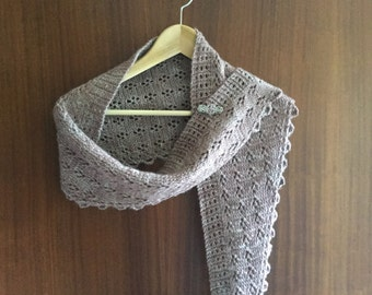 Knitted shawlette