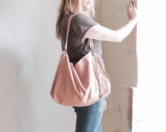 VENTE rose cuir besace cabas - pompon plissé et Handknotting - prêt à l'expédition comme on le voit. OOAK