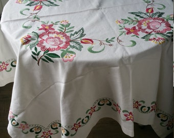 Lovely vintage table cloth with large embroidered flowers  1960s 1970s