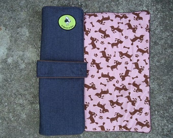 Travel dog bed. Portable dog bed. Pet bed. Washable pet beds. Size M