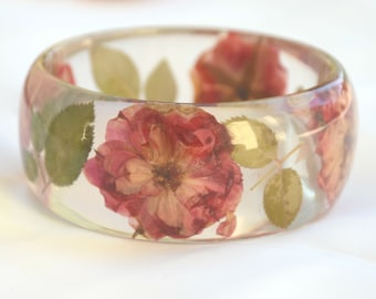 Rose Resin Bangle. Chunky Resin Bangle Bracelet. Pressed Flower Bracelet.  Real Flowers Bracelet  #yhbr005