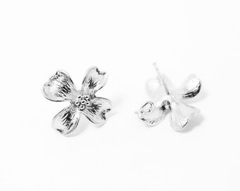 E0038/Anti-tarnished Matte Rhodium Plating Over Brass/4 leaves Flower earrings/17x17 mm/2pcs