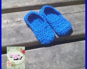 Toddler slippers, size 5/6, blue, crochet, acrylic, ready to ship, gift idea, gift for child, niece, nephew,grandson,granddaughter,under 20
