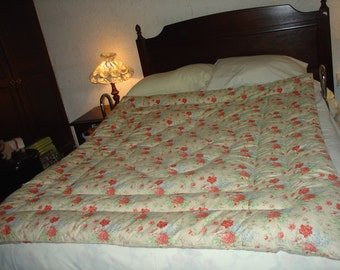 Vintage 1940s/1950s Feather Floral Double Eiderdown Quilt