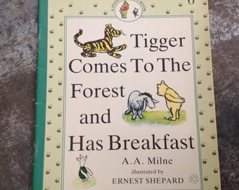 "Vintage Children's Book ""Tigger Comes To The Forest and Has Breakfast"" A.A. Milne Ernest Shepard Pooh & Piglet #6 Paperback 1990"
