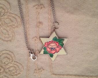Cloisonne pendant, cloisonne pendants,  white cloisonne pendant, star pendant,  cloisonné pendants, vintage cloisonné jewelry, star N58