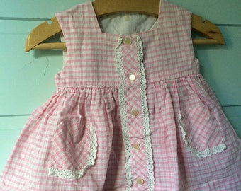 Adorable little dress gingham pink white cotton tiles years 50 60 6 months 1950 1960 layette English embroidery