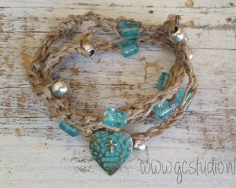 Bracelet, Crochet, Turquoise beads, Vintage turquoise heart, Silver colored beads, Beach, Boho style