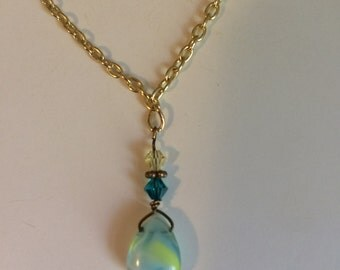 Green glass and crystal necklace
