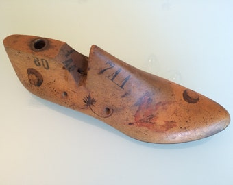 Vintage wooden ladies shoe form