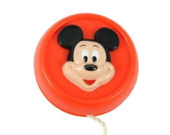 Disney Red Mickey Mouse and Donald Duck Yo Yo Vintage
