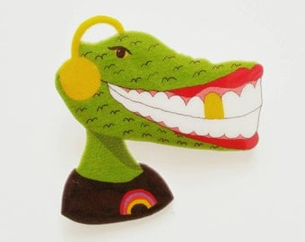 Crocodile smiley brooch or magnet // statement jewelry // shrink plastic brooch or magnet // quirky jewelry