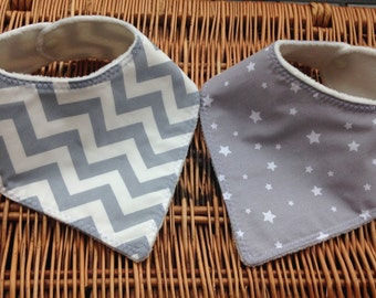 Set of 2 Dribble Bibs. Stars and zig zags