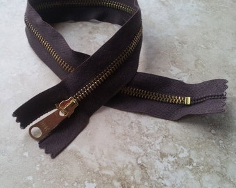 """YKK Metal Zip - 40cm (16"""") - Brown cotton and gold metal - closed end"""