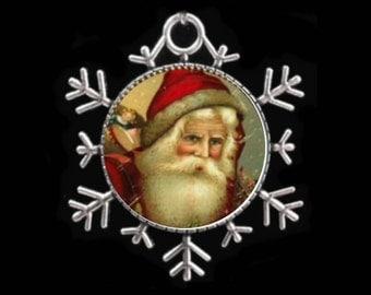 Vintage Santa Necklace, Christmas Pendant, Santa Jewelry.