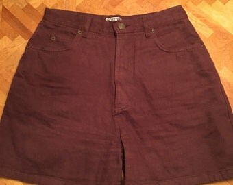 Vintage high waisted maroon jean shorts size 6