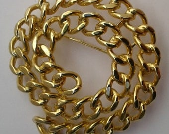 Coiled 'golden' chain brooch (160066)