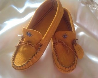 Authentic mocassins for woman special beading