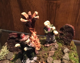 Fairy Miniature Graveyard  Cemetery Headstones Graves Zombies