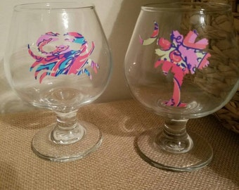 Set of 2 coastal wine glasses