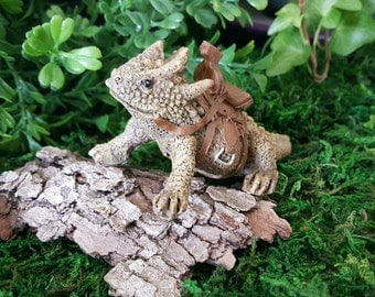 Miniature Horned Toad Lizard with Saddle - Spike!