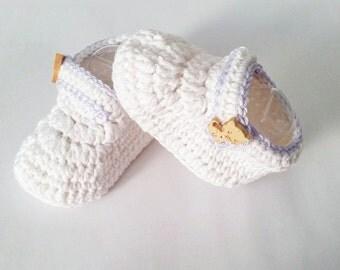 Baby booties, white booties, crochet baby booties, crochet booties, baby shower, baby shoes, girl baby shoes, boy baby shoes, baby gift