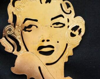 Vintage Beautiful Brass Coated Cut Out Marilyn Monroe Brooch. Simply Divine. Diva. Vintage Hollywood Glamour. Vintage Marilyn Monroe Brooch