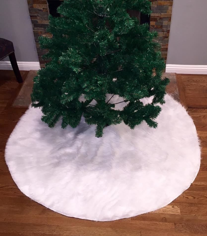 Faux fur christmas tree skirt white