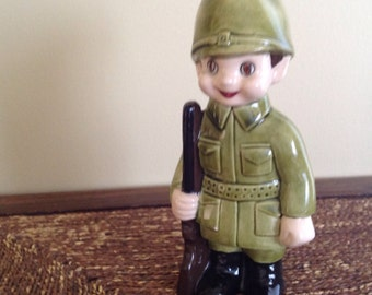 Little soldier painted green and varnished. Very cute! 9