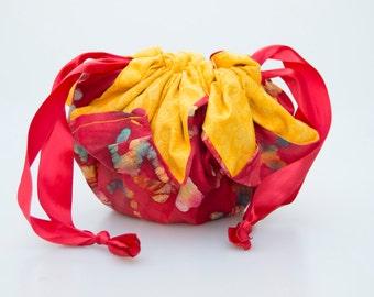 Chrysanthemum Drawstring Bag (Red Rainbow Splatter Project Bag)