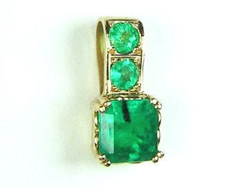 Colombian Emerald Pendant 1.30 ct Set in 18K Gold 1 Emerald cut and 2 Round