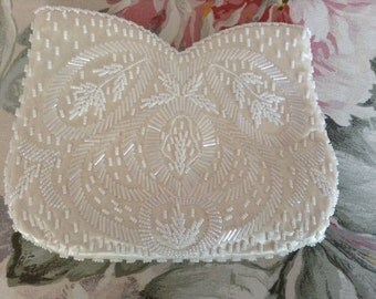 Vintage beaded white pearl seeded evening purse