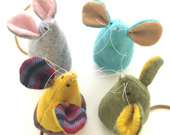 Adorable Mice with Squeaker and Organic Catnip for Cats