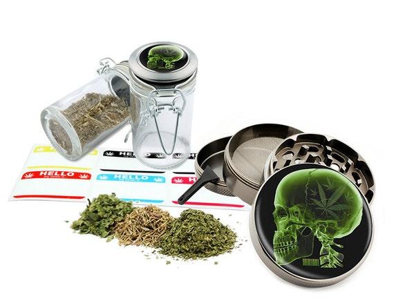 "Green Skull - 2.5"" Zinc Alloy Grinder & 75ml Locking Top Glass Jar Combo Gift Set Item # 110514-0028"
