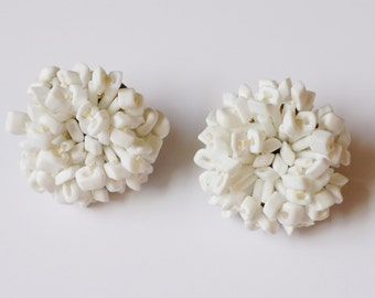 Vintage Signed Vogue White Confetti Chrysanthemum Clip Earrings