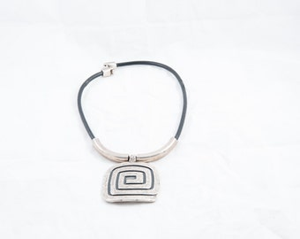 22 collar leather insets