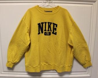 NIKE // Vintage // Sweatshirt // Pullover // Yellow // XL