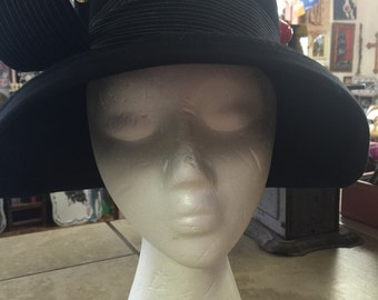 Cloche, hat, cap,Downton abbey fashion style, vintage, retro, black hat,
