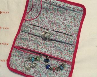 Travel jewelry holder