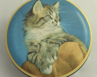 """1960s Kitsch Kitten Toffee Tin George W. Horner  4"""" Diameter"""