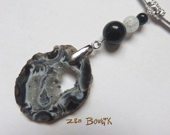 Necklace Agate Geode slice Slice black white Onyx and frosted Quartz