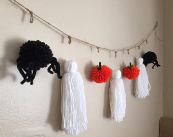 Halloween Pom Pom Yarn Garland with Ghosts, Pumpkins and Spiders