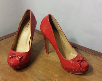 Ruby Red, Size 8