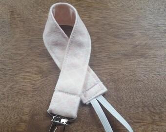 Light Pink Quarterfoil Pacifier Clip