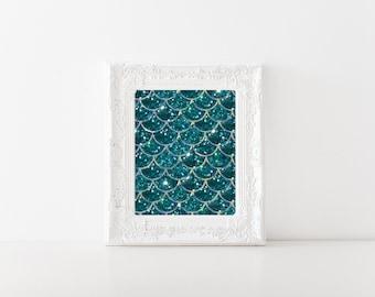 Elegant Mermaid Scales Print