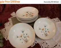 """Fall Clearance Sale Set of 8 Crooksville China 5.25"""" Berry or Dessert Bowls - Green and Gold Windfowers on Ivory Background"""