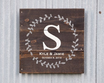 Name Established Date Sign, Custom Wedding Gift, est date Pallet Wood Sign, Initial, Monogram, Name Date Sign, Personalized Wedding GIft