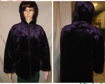Vintage 1980s Made in U.S.A. fuzzy Purple Young Gallery zip up jacket.
